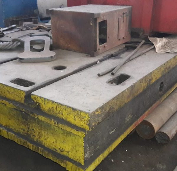 Clamping plates (8)