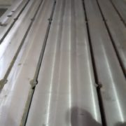 Clamping plates (9)